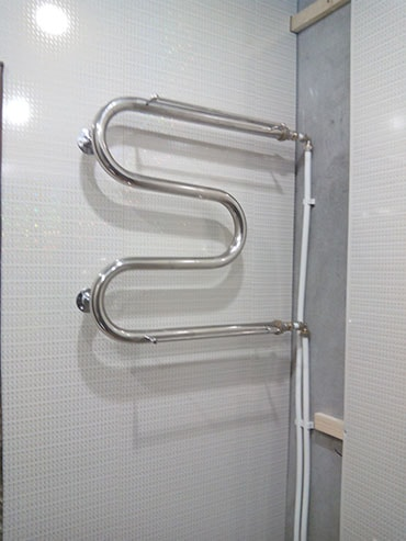 фото монтаж полотенцесушителя