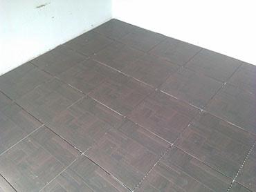 фотография укладка плитки на полу